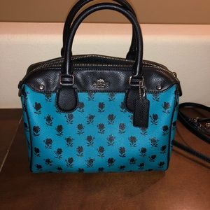 Coach mini bowling bag. Roses pattern. Cool color